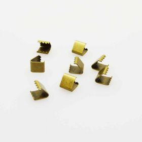 Spiky clips